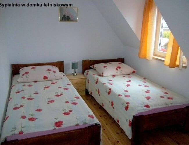 Pokoje i domki całoroczne-235